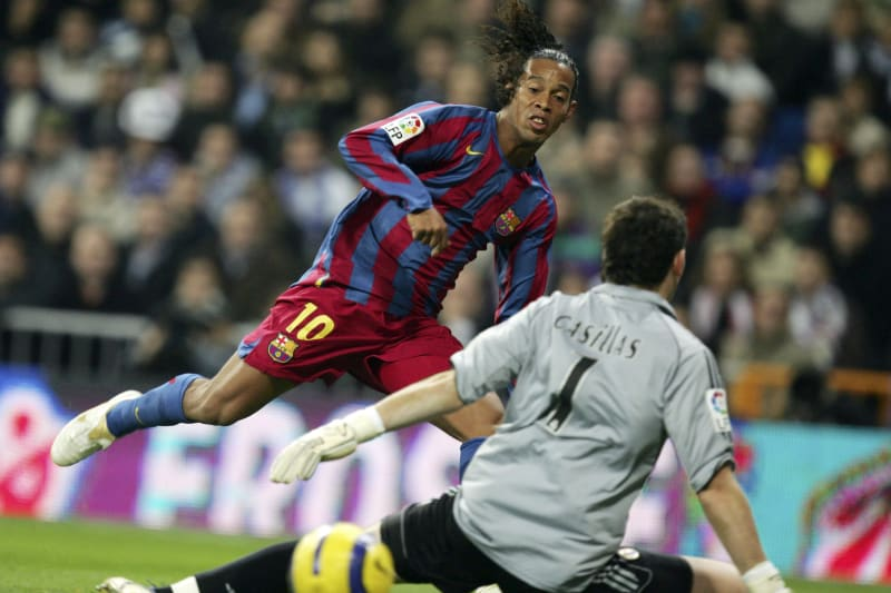 Barcelona S Ronaldinho Gets Real Madrid Ovation In Clasico For The Ages Bleacher Report Latest News Videos And Highlights