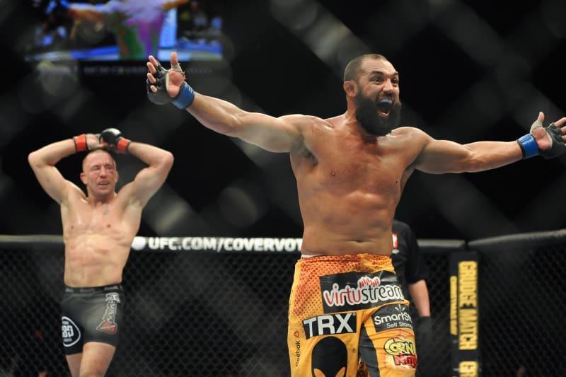 UFC 167: How Johny Hendricks 'Killed the King' | Bleacher Report ...