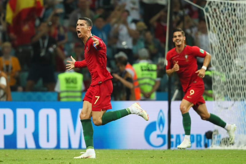 Video Cristiano Ronaldo Completes Hat Trick With Brilliant Free Kick Vs Spain Bleacher Report Latest News Videos And Highlights