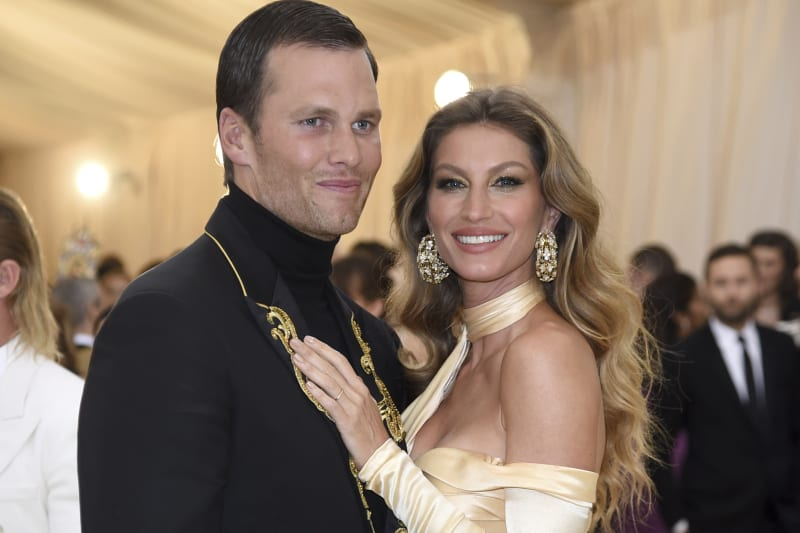 Tom Brady, left, and Gisele Bundchen attend The Metropolitan Museum of Art's Costume Institute benefit gala celebrating the opening of the Heavenly Bodies: Fashion and the Catholic Imagination exhibition on Monday, May 7, 2018, in New York. (Photo by Evan Agostini/Invision/AP)