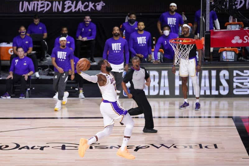 Lebron James Anthony Davis Lakers Rout Heat For Lal S Record Tying 17th Title Bleacher Report Latest News Videos And Highlights