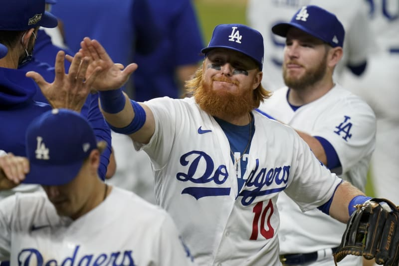 Justin Turner anuncia su regreso con los Dodgers, su contrato sería por dos años.