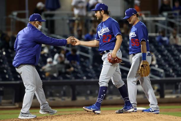 Dodgers' Dave Roberts Hopes MLB Isn't Singling Trevor Bauer out over Baseballs