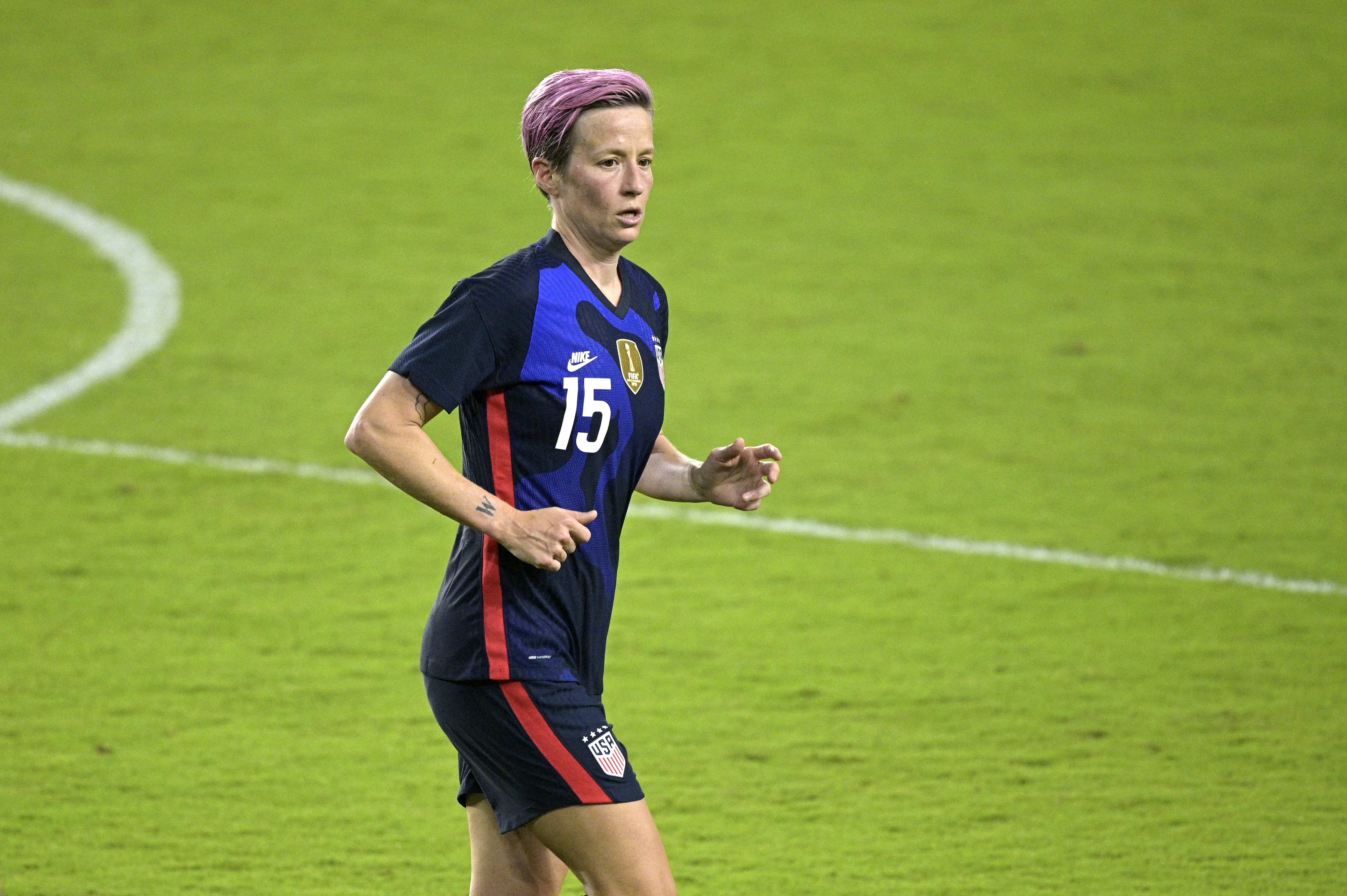 Megan Rapinoe's Late Penalty Helps USWNT Salvage Draw with Sweden thumbnail