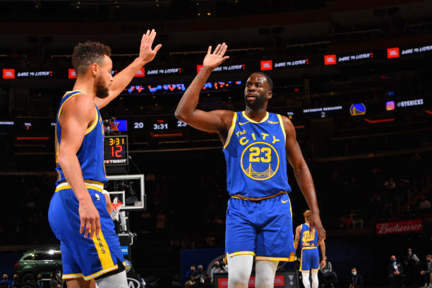 Draymond Green Celebrates Steph Curry's Warriors Legacy After Scoring Milestone thumbnail