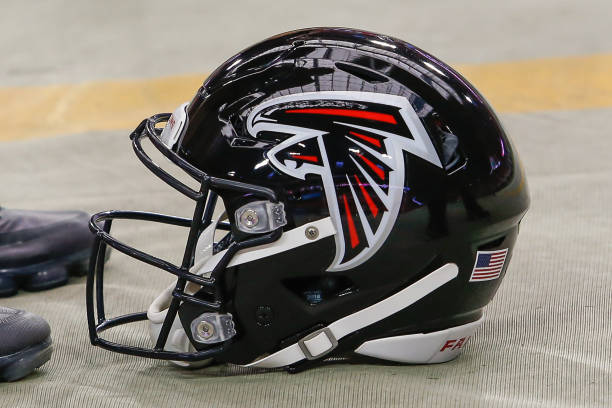 Falcons Players Announce'Many' Will Not Participate in Voluntary Offseason Program thumbnail