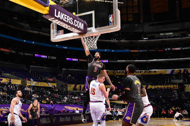 Anthony Davis, Lakers Hold off Nikola Jokic, Nuggets as LeBron James Sits with Injury thumbnail