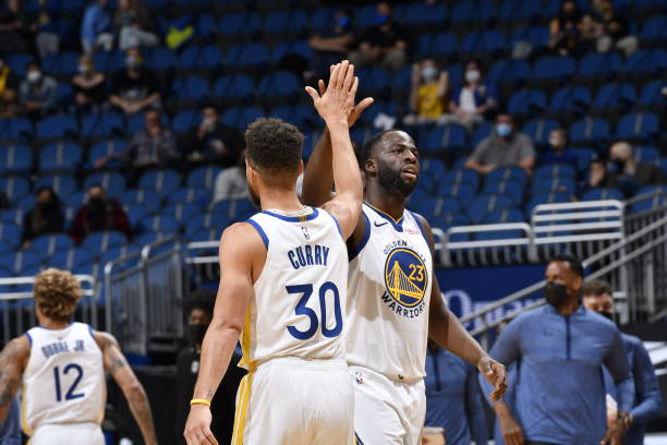 Warriors' Draymond Green on Stephen Curry: 'Teams Are Terrified of Him' thumbnail
