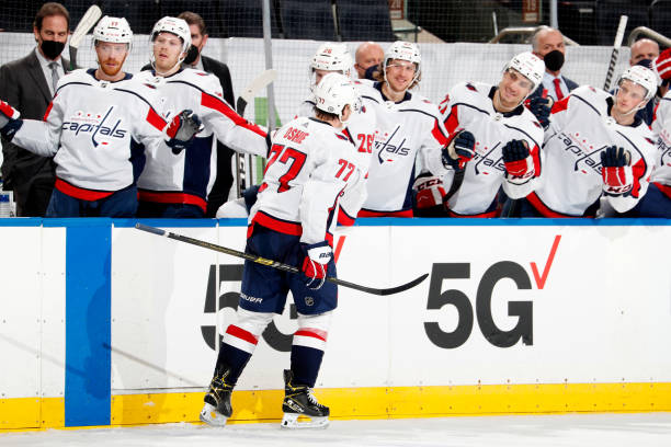 Video: Capitals' T.J. Oshie Records Hat Trick in 1st Game After Father's Death thumbnail