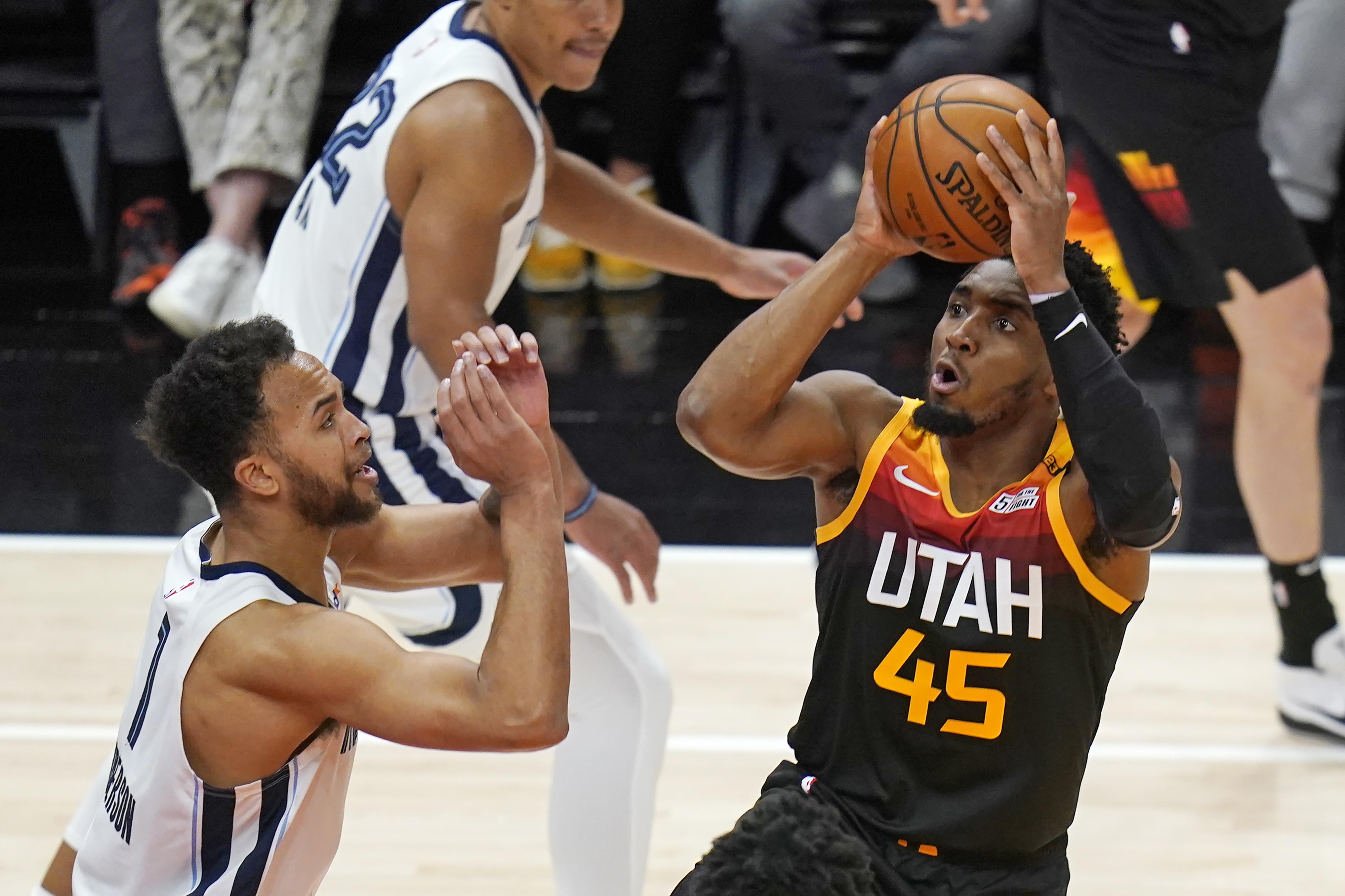 <p>Donovan Mitchell, Jazz Beat Grizzlies at Game 2 Despite Ja Morant's 47 Points thumbnail