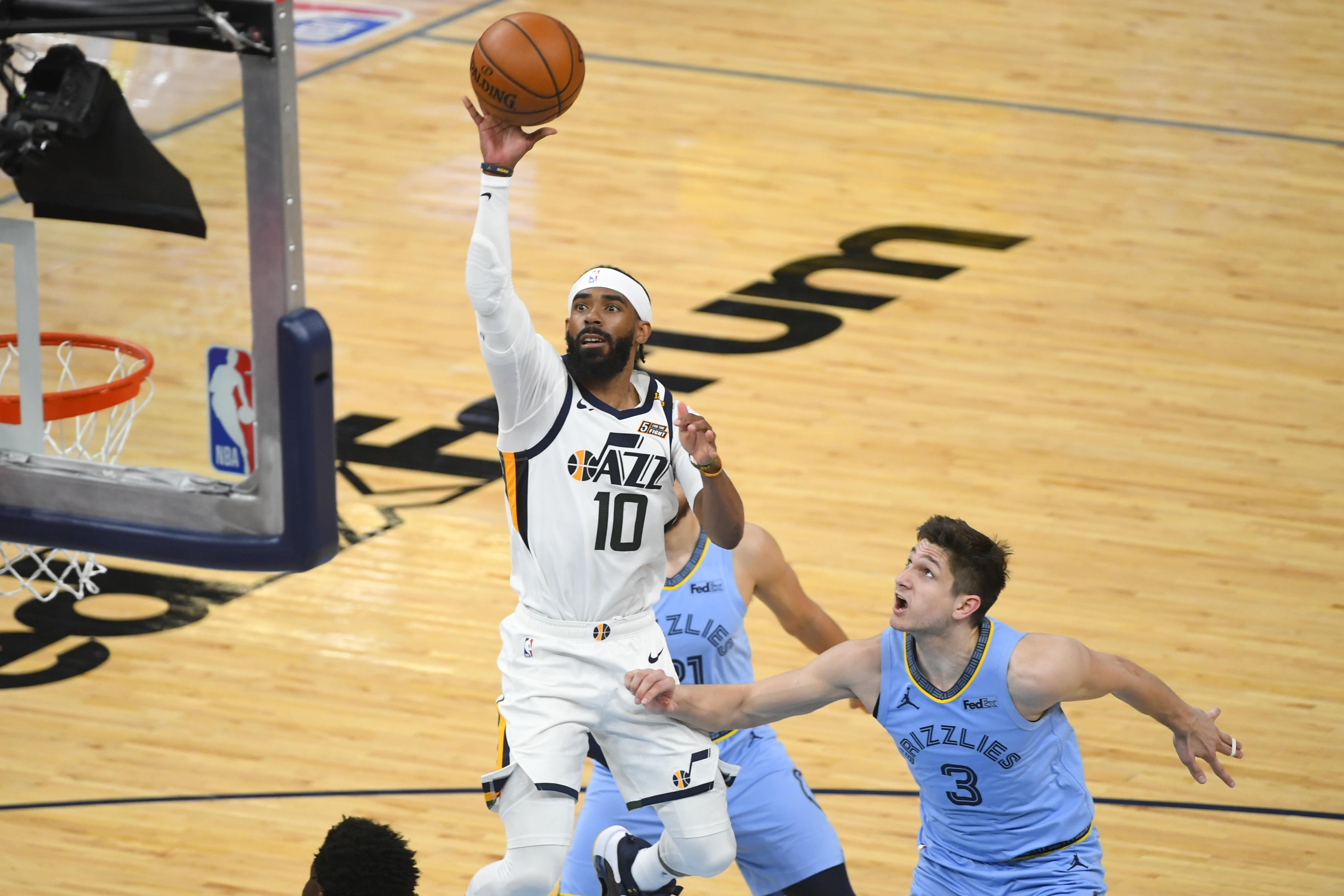 <p>Donovan Mitchell, Jazz Hold off Ja Morant, Grizzlies 121-111 to Win Game 3 thumbnail