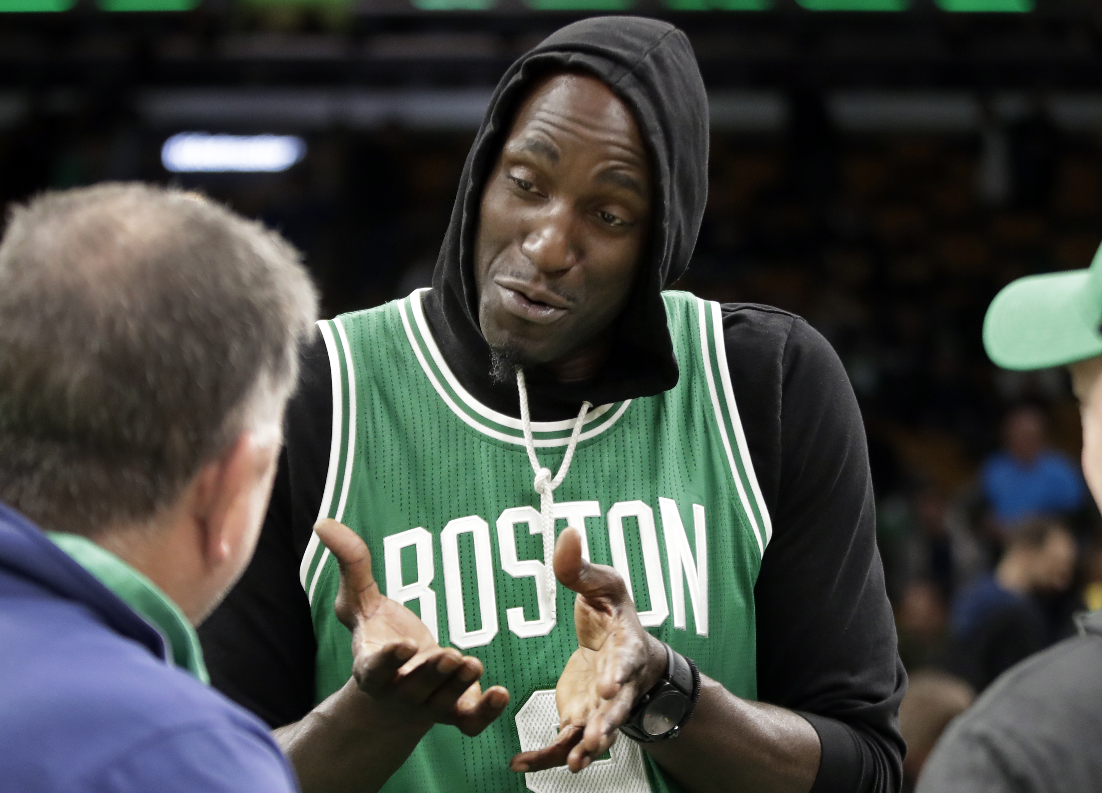 Kevin Garnett on Kyrie Irving Appearing to Stomp on Celtics Logo: 'You Can't Do That' thumbnail