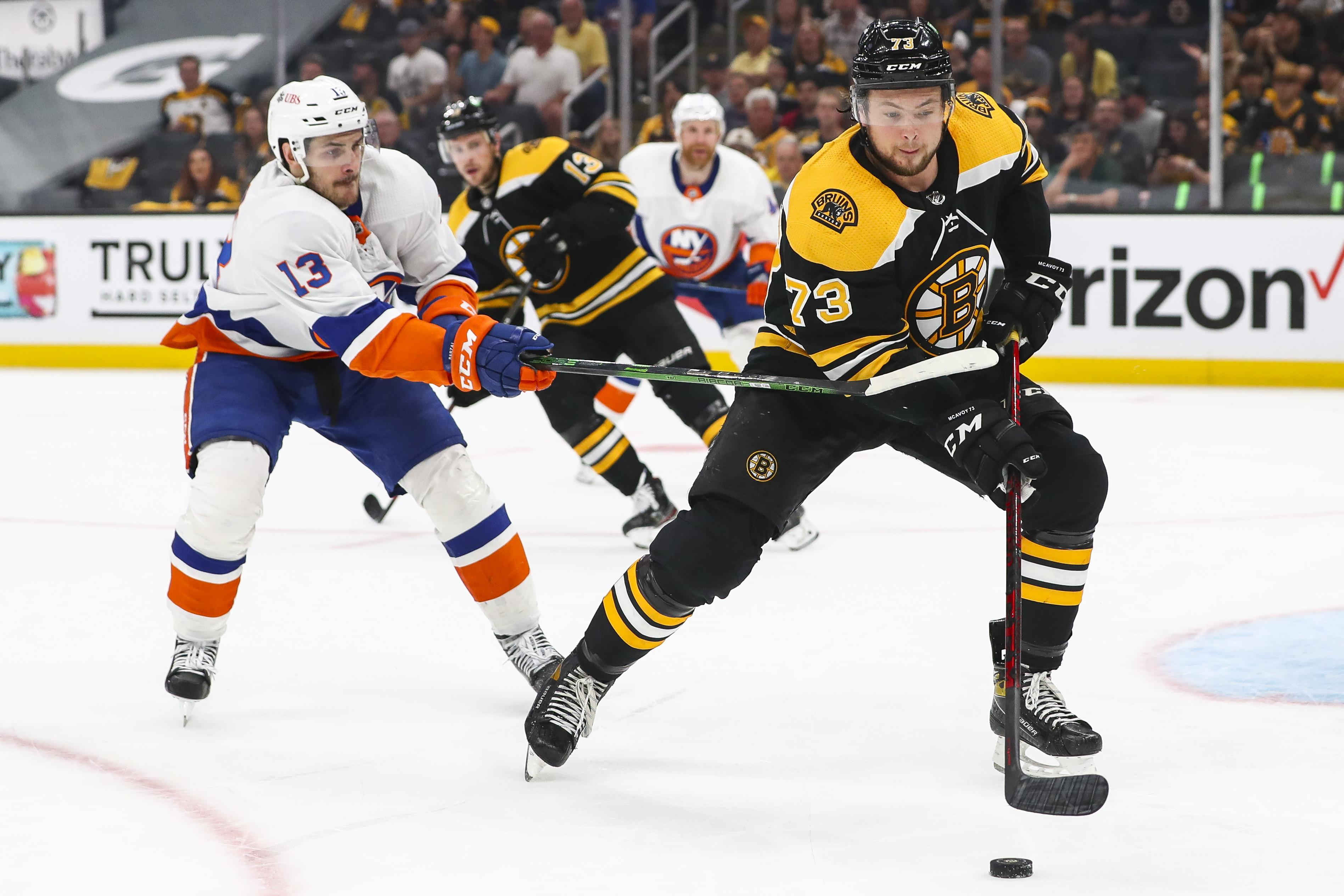 Islanders Chase Tuukka Rask, Win Game 5 to Take 3-2 Series Lead vs. Bruins thumbnail