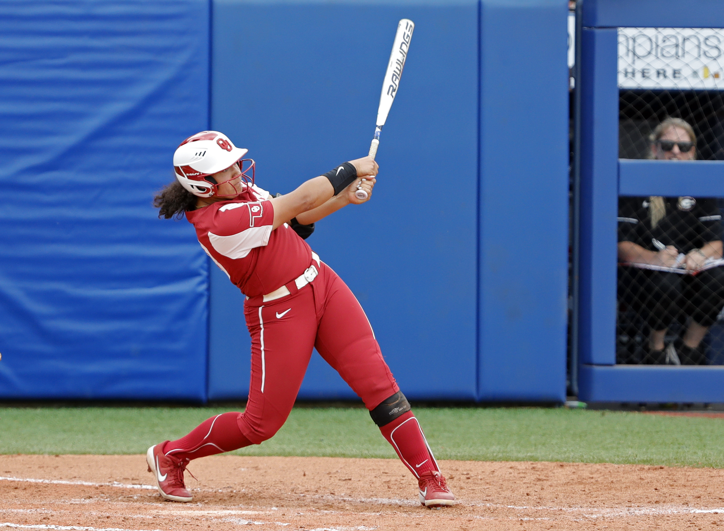 <p>Oklahoma Beats FSU 6-2, Forces Decisive Game 3 in Women's College World Series thumbnail
