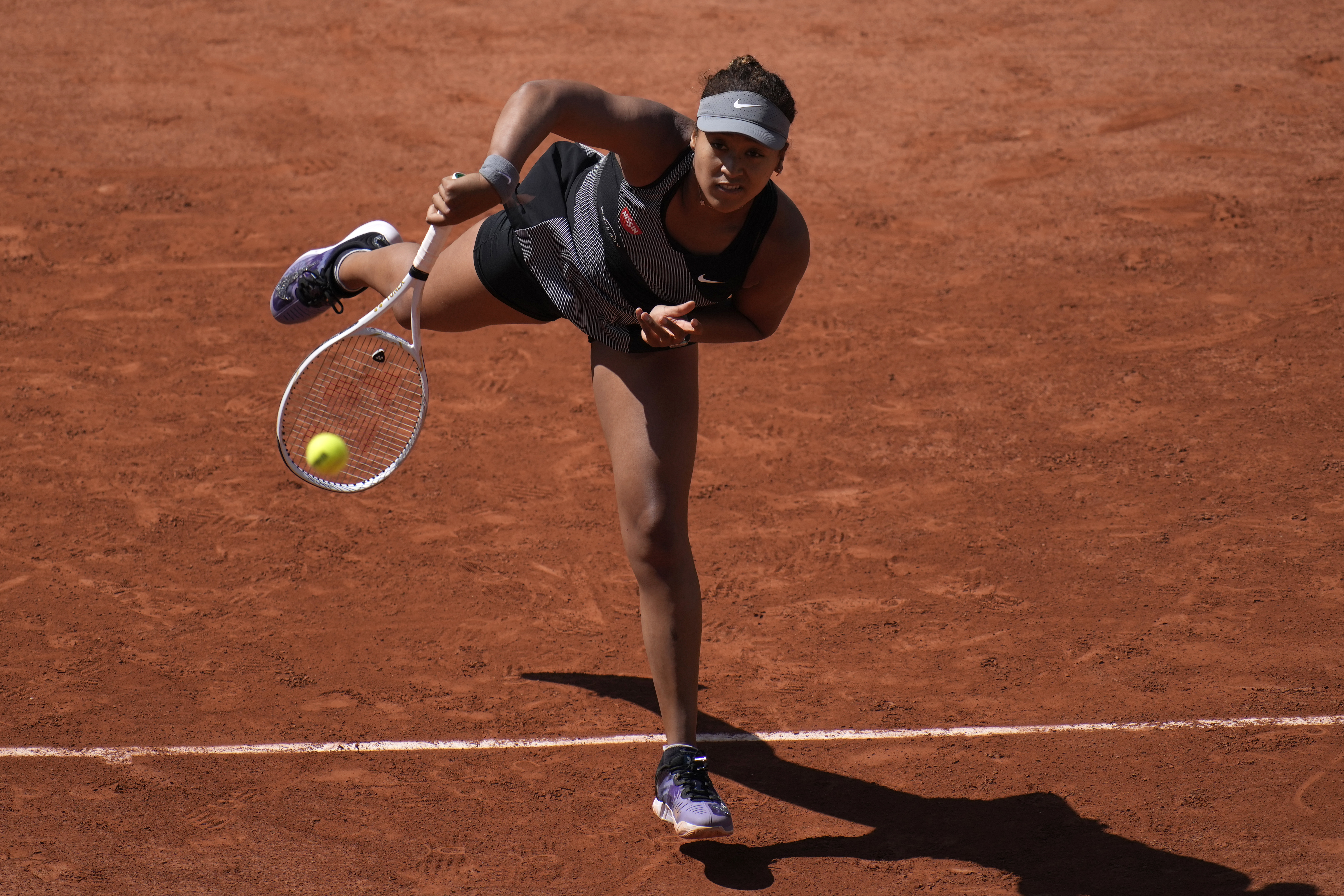 <p>French Open Exec Says Naomi Osaka Was Contacted Before Withdrawal; Explains $15k Fine thumbnail