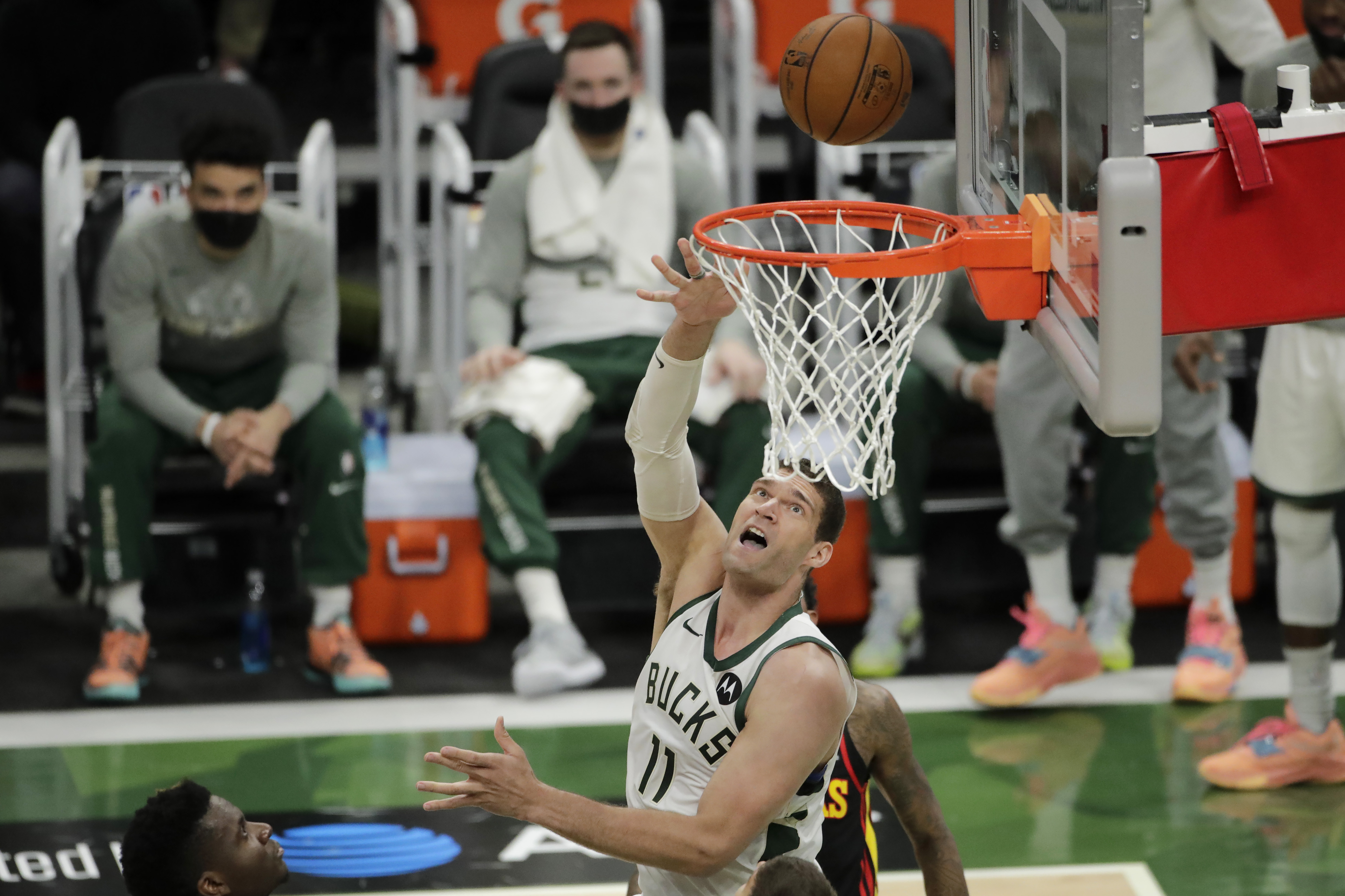 Brook Lopez, Bucks Beat Hawks in Game 5 with Giannis, Trae Young out with Injuries