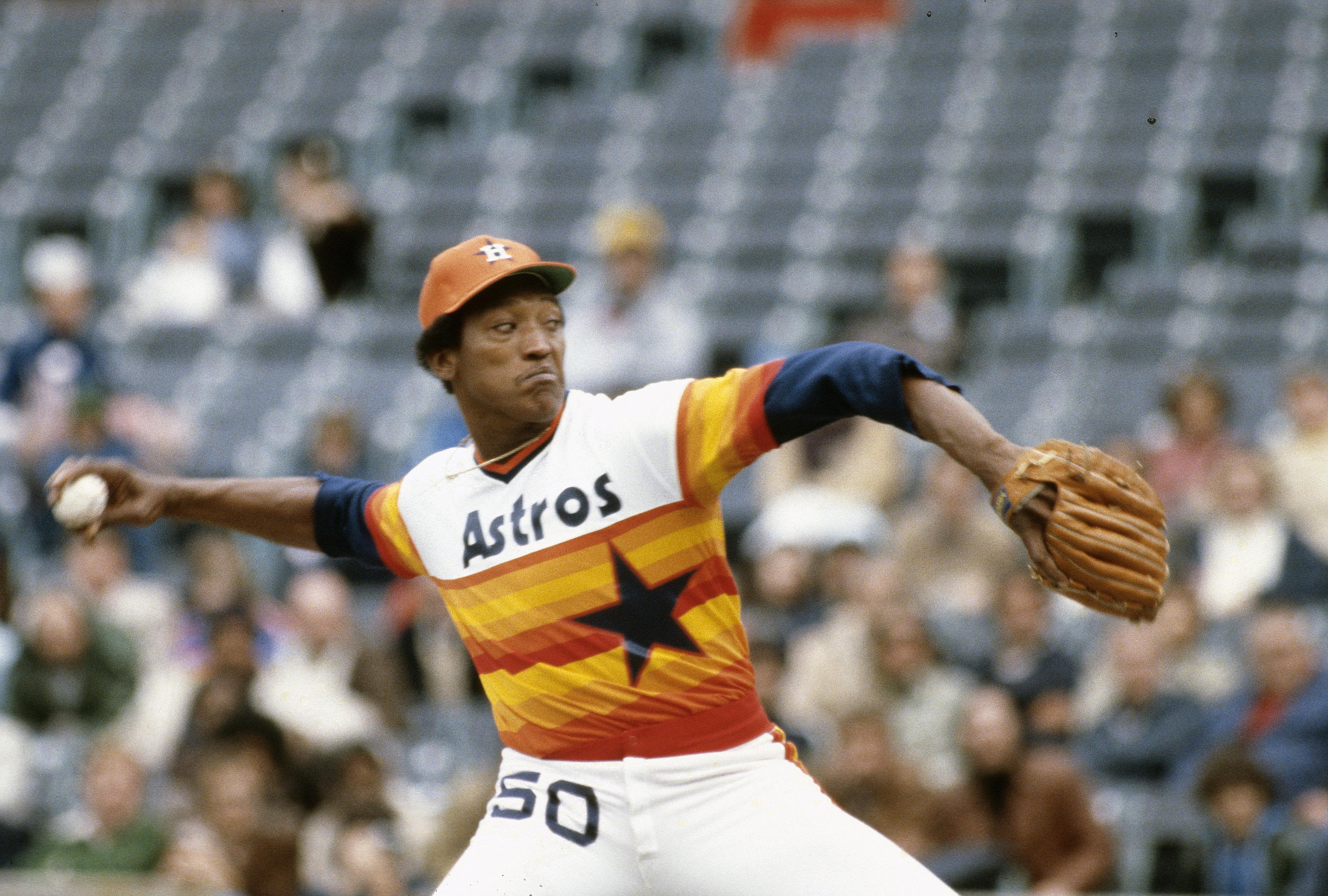 Former Astros Pitcher J.R. Richard Dies at Age 71