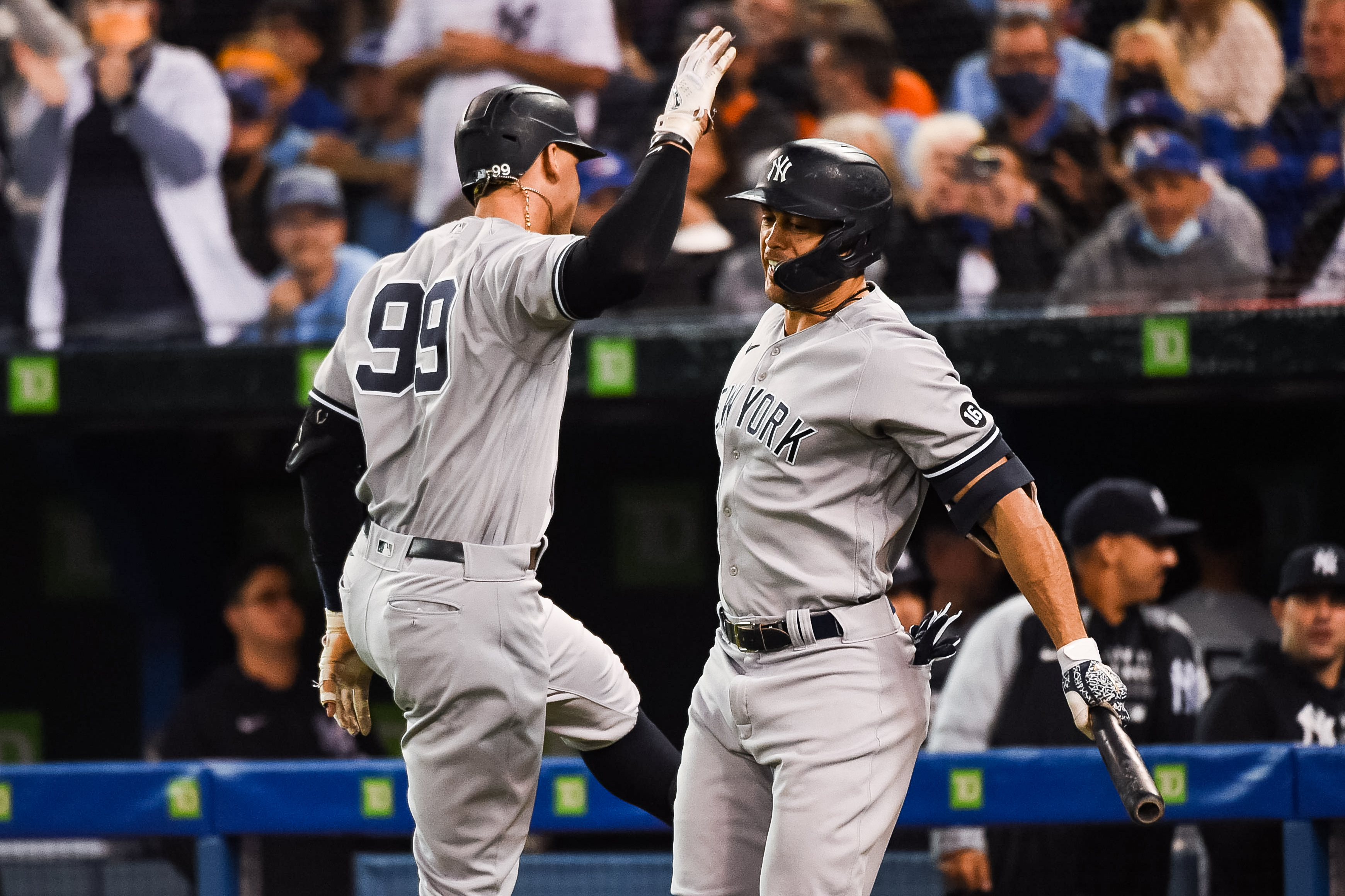 MLB Playoff Picture 2021: Yankees Win, Red Sox Loss Shake Up AL Wild Card Race