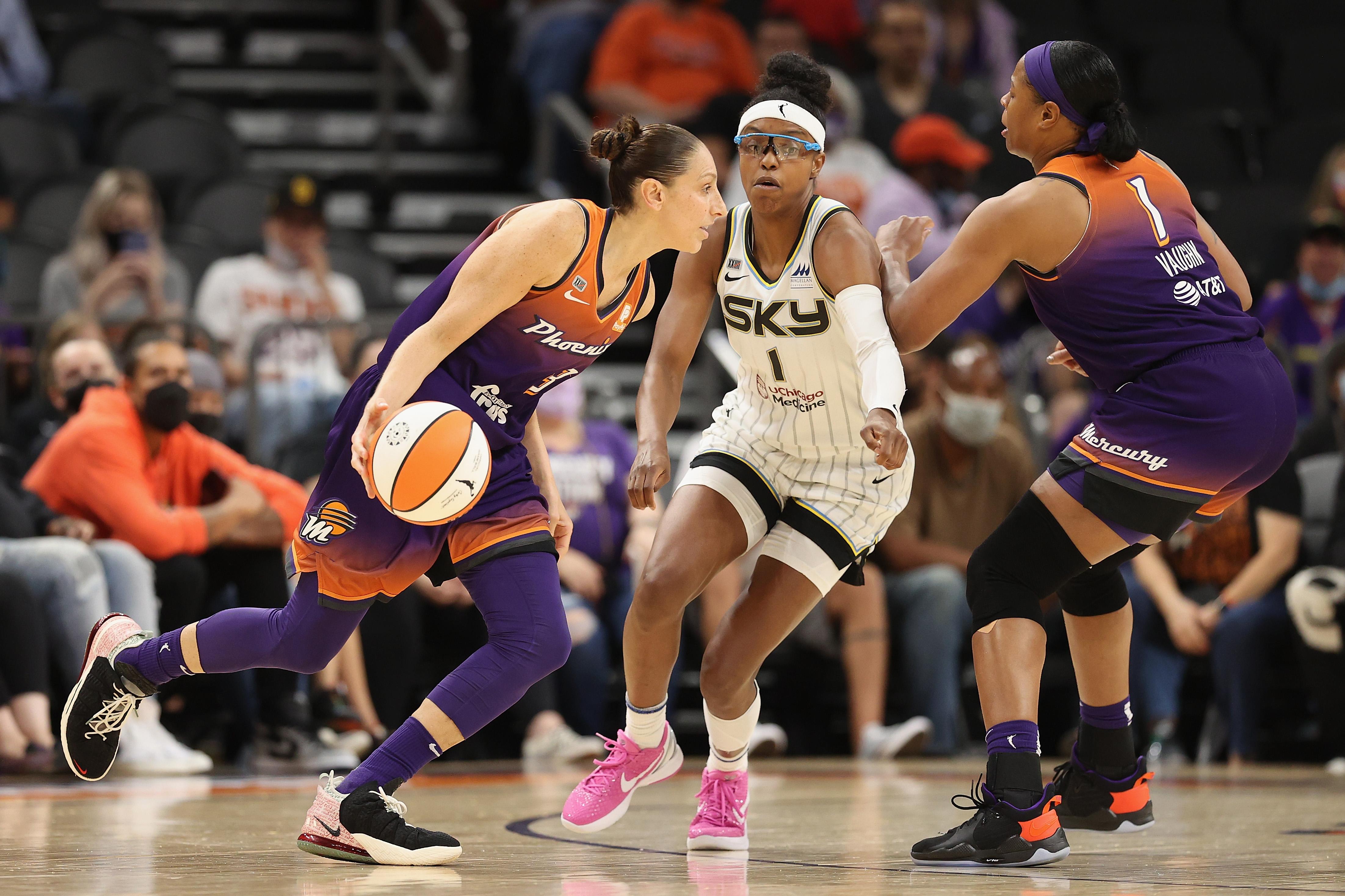 Candace Parker, Sky Beat Diana Taurasi, Mercury in Game 1 of 2021 WNBA Finals thumbnail