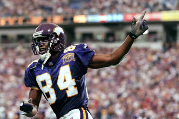 Randy Moss Gifts Killer Mike Autographed Vikings Jersey After Twitter Exchange thumbnail