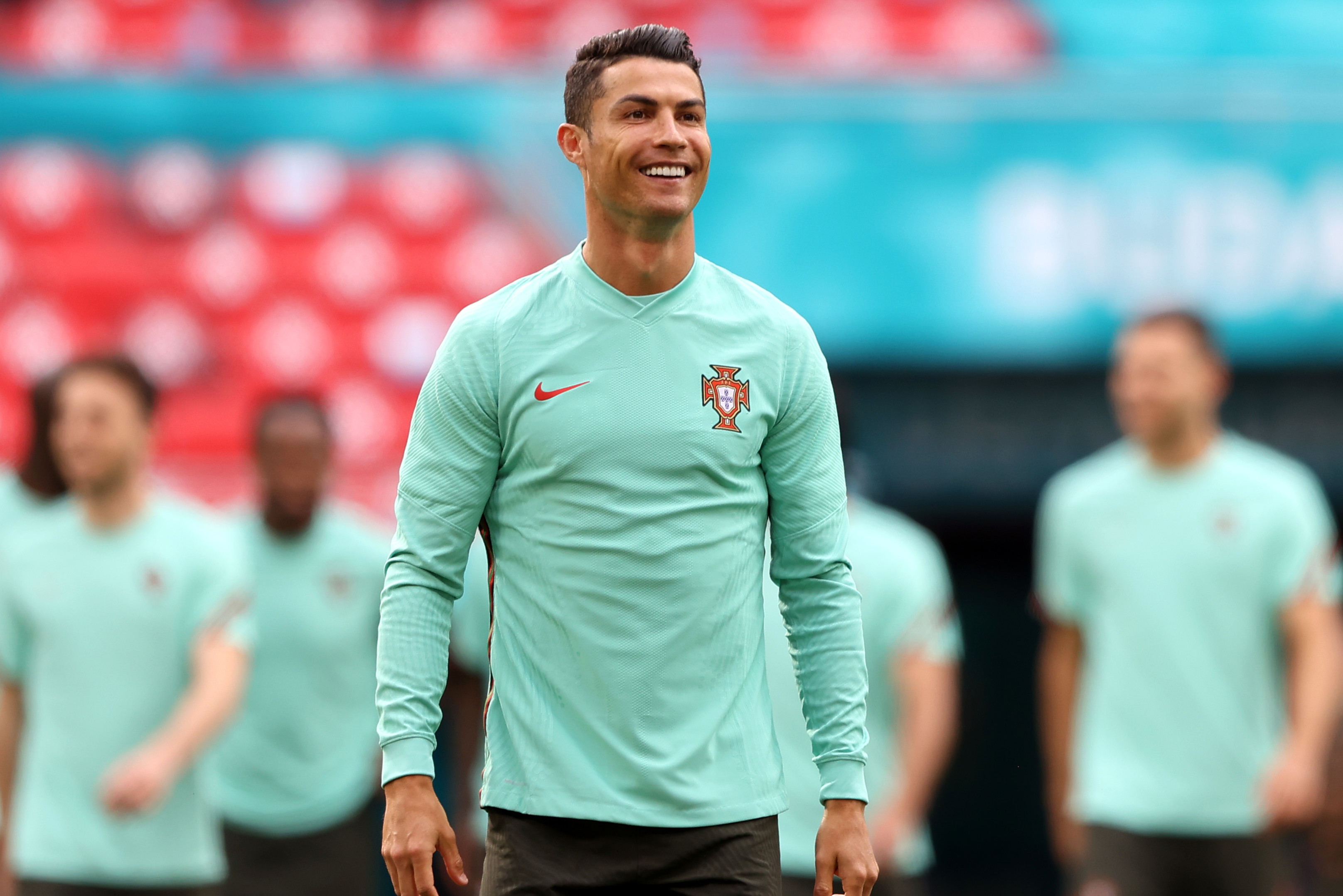 Cristiano Ronaldo Selling New York Condo for $7.8M; Bought Unit for $18.5M in 2015 thumbnail