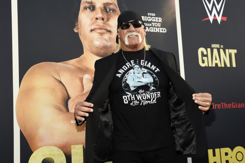 Hulk Hogan, Becky Lynch and More in the WWE News Roundup for Oct ...